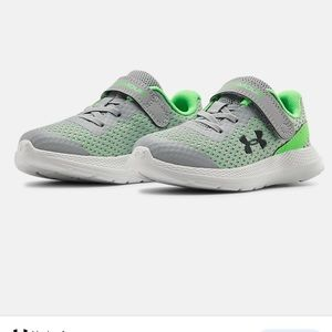 Under Armour Boys Sneakers UA Impact Size 10 NEW